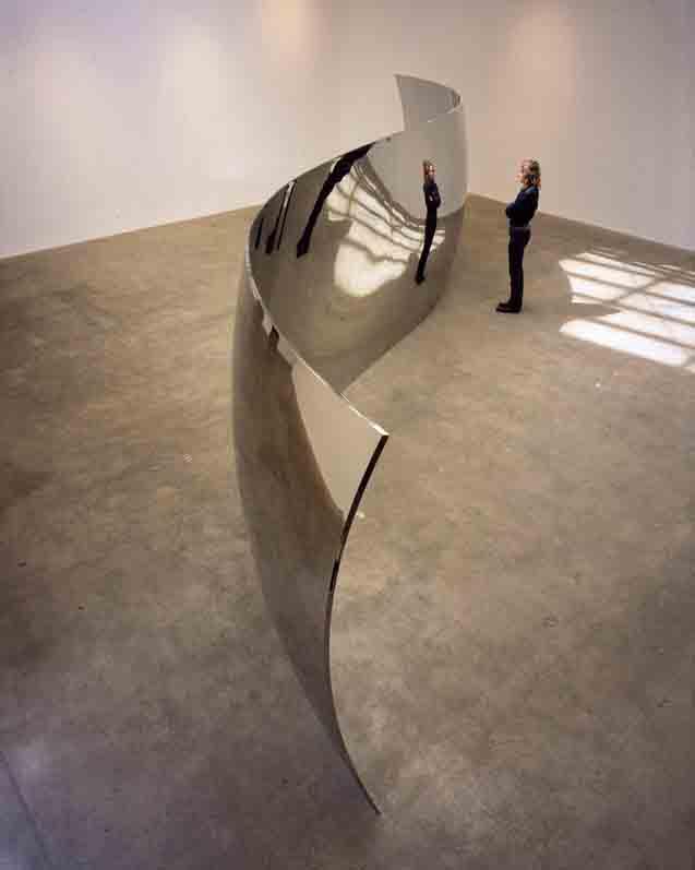 45.-Anish-Kapoor-mirror